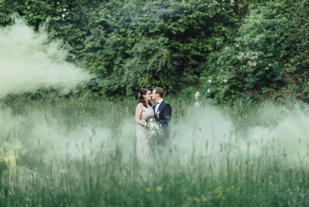 Hochzeitsplanung Hochzeitsplaner München - Mr. Right Chrissie Spiess - Brautpaar Hochzeitsplanung - München Heiraten Kuss