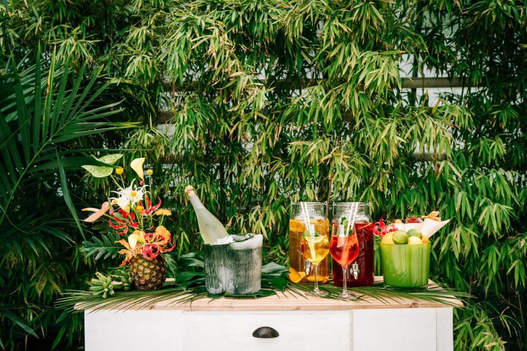 tropical Wedding München Hochzeitsplanung drinks bar ananas