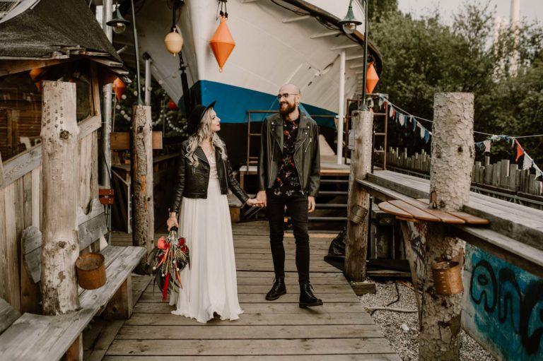 Hochzeit Mottohochzeit Brautpaar Styled Shoot Alternativ Brautpaar Alte Utting Schiff