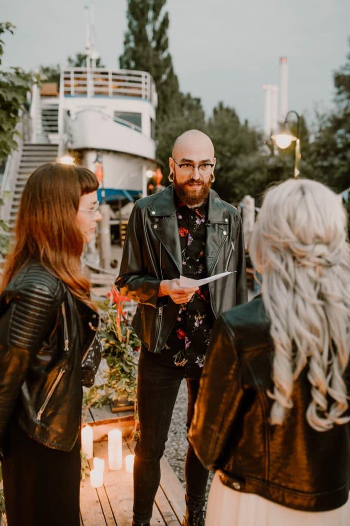 Hochzeitsplaner Mottohochzeit Brautpaar Styled Shoot Alternativ freie Trauung